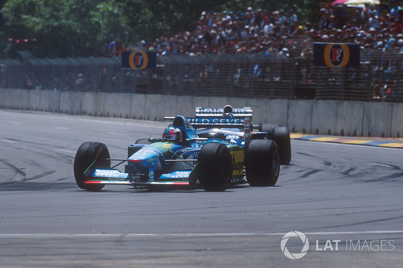 michael schumacher benetton b194 ford leads damon hill. Black Bedroom Furniture Sets. Home Design Ideas