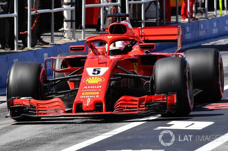 Sebastian Vettel, Ferrari SF71H gives a V sign