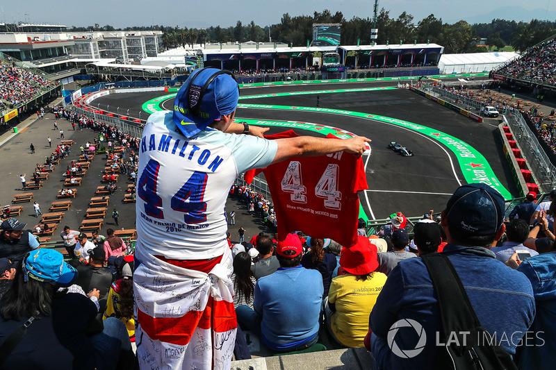 Fans y Lewis Hamilton, Mercedes-Benz F1 W08