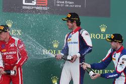Podium: winnaar Pedro Piquet, Trident, tweede Giuliano Alesi, Trident, derde Ryan Tveter, Trident