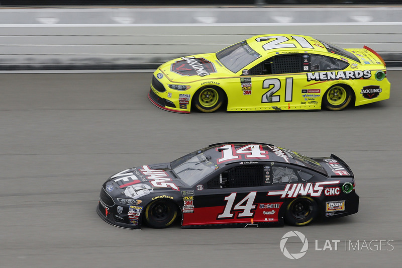 Clint Bowyer, Stewart-Haas Racing, Chevrolet Camaro Haas 30 Years of the VF1 Paul Menard, Wood Broth