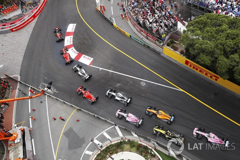Даніель Ріккардо, Red Bull Racing RB14, лідирує