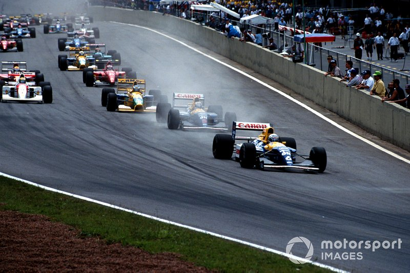Riccardo Patrese, Williams FW14B Renault leads at the start