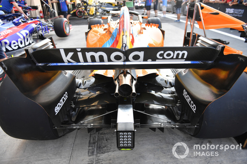 McLaren MCL33 rear wing