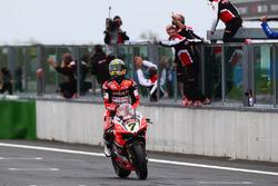 Chaz Davies, Ducati Team takes the win