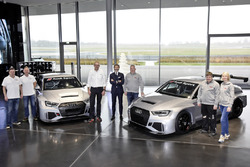 Consegna delle prime due Audi RS 3 LMS TCR, Simon Caddy, James Kaye (Cadspeed Racing), Chris Reinke (Audi Sport customer racing), Stephan Winkelmann (Audi Sport GmbH), Dalius Steponavicius, Sven Harder, Kristina Steponavice (Speed Factory Racing)