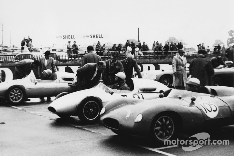 1958, Tim Parnell, Cooper T46-Climax, chats to his father, Reg Parnell