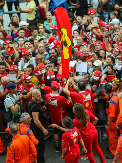 Kimi Raikkonen, Ferrari signs autographs for the fans on the pitlane walkabout