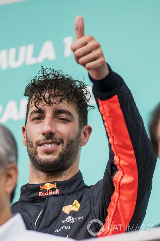 third place Daniel Ricciardo, Red Bull Racing, gives a thumbs-up on the podium