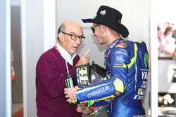 Кармело Еспелета, генеральний директор Dorna Sports, Валентино Россі, Yamaha Factory Racing