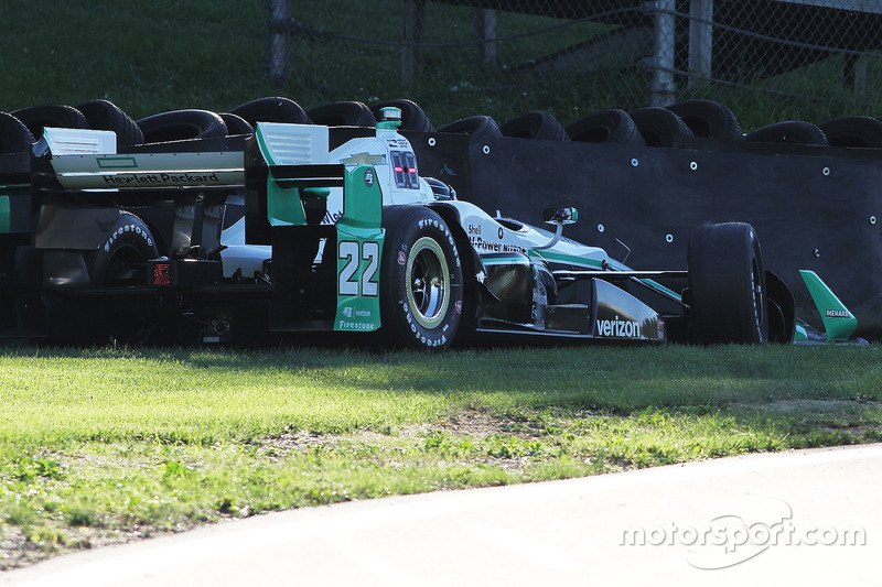 Problemi per Simon Pagenaud, Team Penske Chevrolet in trouble