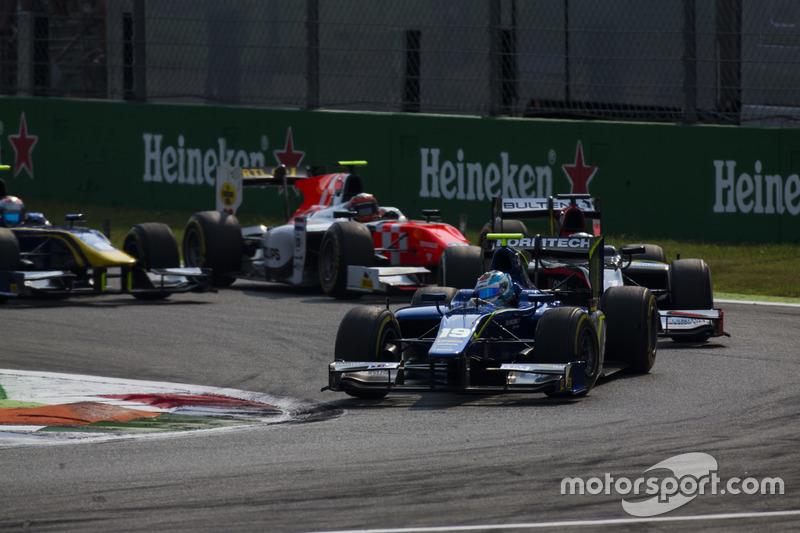 Marvin Kirchhofer, Carlin precede Gustav Malja, Rapax e Daniel de Jong, MP Motorsport