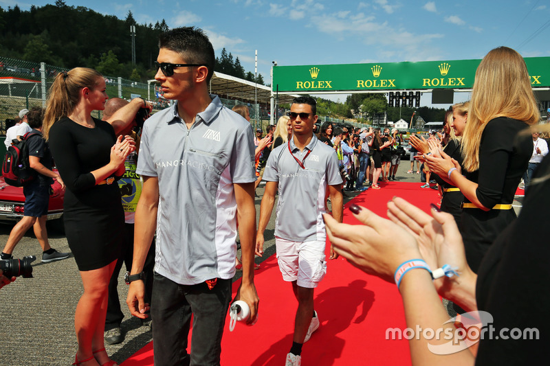 Pascal Wehrlein, Manor Racing and team mate Esteban Ocon, Manor Racing on the drivers parade