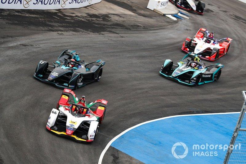Daniel Abt, Audi Sport ABT Schaeffler, Audi e-tron FE05 Gary Paffett, HWA Racelab, VFE-05, Nelson Piquet Jr., Panasonic Jaguar Racing, Jaguar I-Type 3 at the start