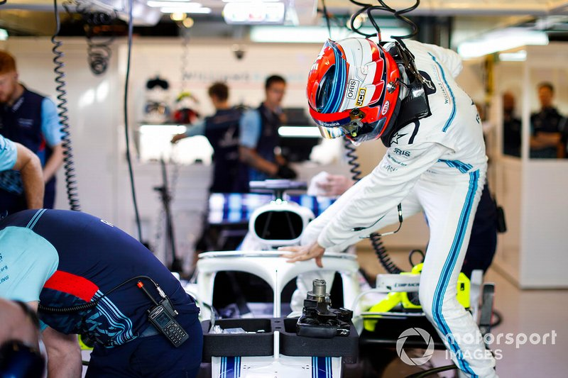 Robert Kubica, Williams Martini Racing, entera nell'abitacolo della sua monoposto