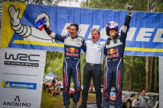 Чемпіони світу 2018 Себастьян Ож'є та Жюльєн Інграссія, Ford Fiesta WRC, M-Sport Ford, та Малкольм Вілсон