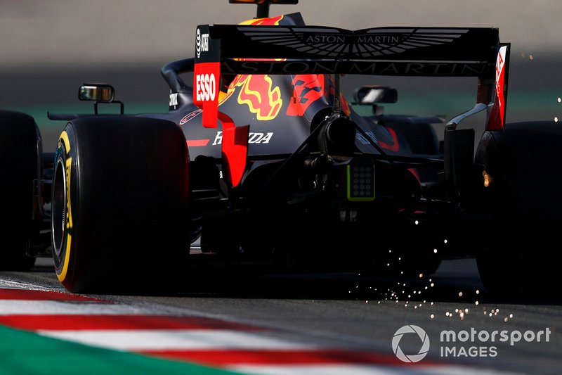 Max Verstappen, Red Bull Racing RB15 sparks