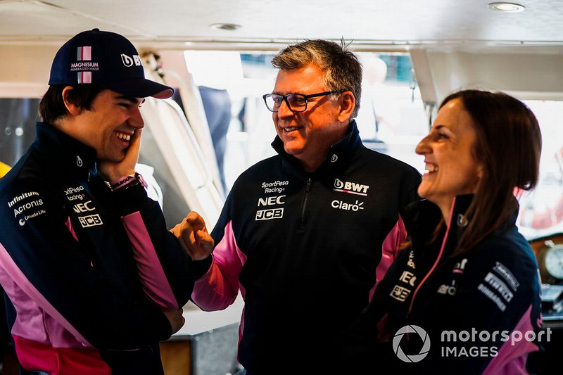 Lance Stroll, Racing Point e Otmar Szafnauer, Chief Operating Officer, Racing Point, si dirigono verso l'evento a Federation Square