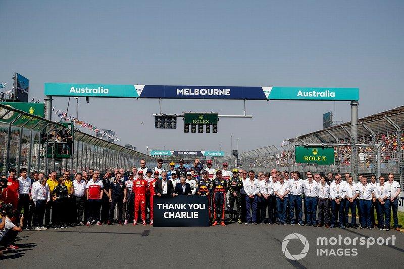 Pembalap, tim, dan personel FIA, berkumpul bersama untuk memberikan tribut kepada mendiang Charlie Whiting, Race Director, FIA