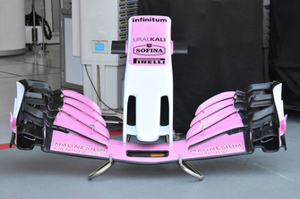 Racing Point Force India, ala anteriore