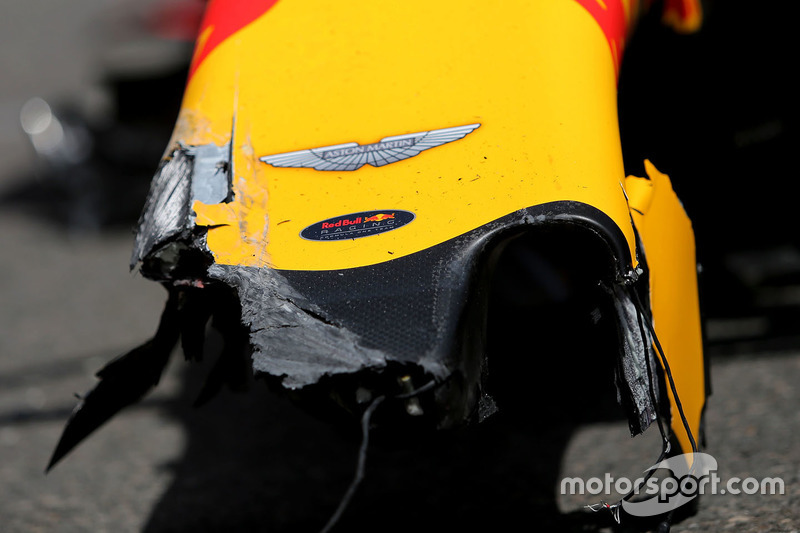 Das Auto von Max Verstappen, Red Bull Racing, nach Crash
