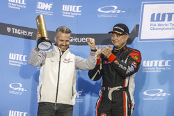 Podium: Tiago Monteiro, Honda Racing Team JAS, Honda Civic WTCC and Rob Huff, All-Inkl Motorsport, C