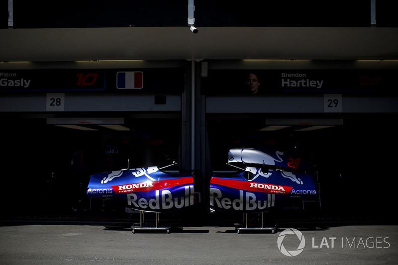 Scuderia Toro Rosso STR13 gövde