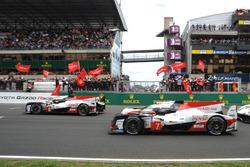 #8 Toyota Gazoo Racing Toyota TS050: Sébastien Buemi, Kazuki Nakajima, Fernando Alonso en #7 Toyota Gazoo Racing Toyota TS050: Mike Conway, Kamui Kobayashi, Jose Maria Lopez