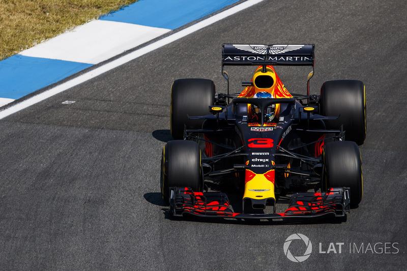19: Даниэль Риккардо, Red Bull Racing RB14 – без времени (штраф за замену элементов силовой установки)