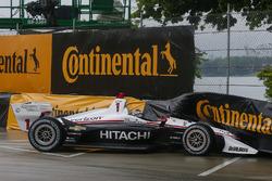 Crash: Josef Newgarden, Team Penske Chevrolet