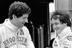 Jody Scheckter con il compagno di squadra Gilles Villeneuve, Ferrari