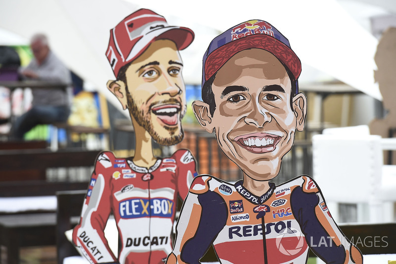 Фігури Марка Маркеса, Repsol Honda Team, та Андреа Довіціозо, Ducati Team