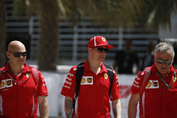 Kimi Raikkonen, Ferrari and trainer Mark Arnall