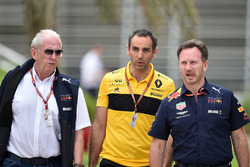 Dr Helmut Marko, Red Bull Motorsport Consultant, Cyril Abiteboul, Renault Sport F1 Managing Director and Christian Horner, Red Bull Racing Team Principal