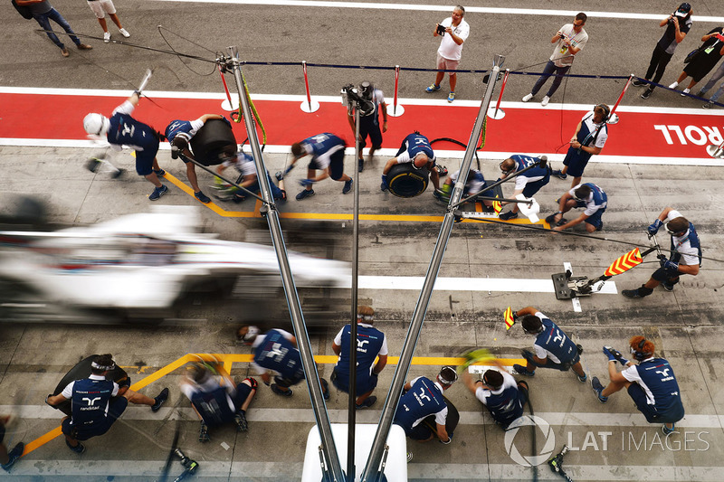 Williams oefent de pitstop