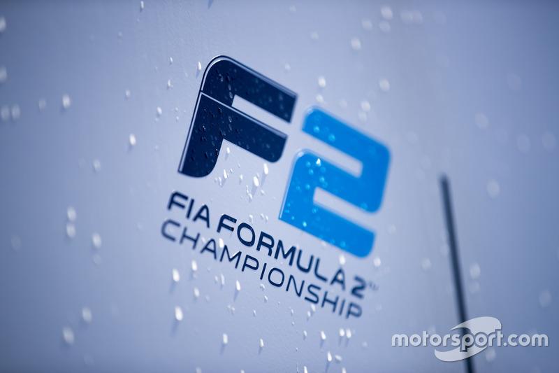 Логотип FIA F2