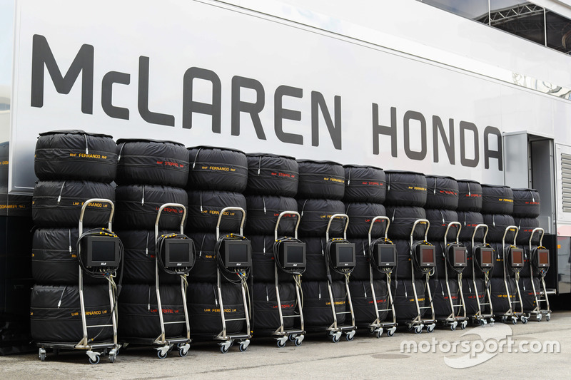 A line-up of stacked and blanketed Pirelli tyres for Stoffel Vandoorne, McLaren MCL32 and Fernando A