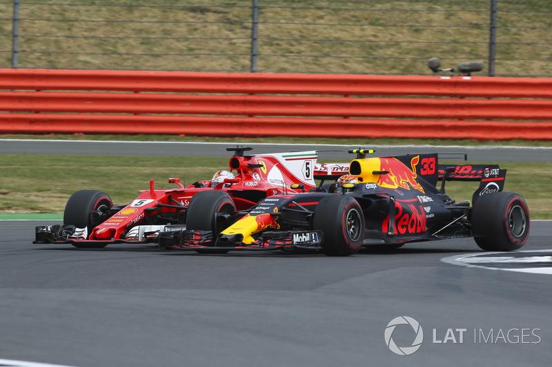 Гран При Великобритании: Ферстаппен и Феттель недовольны жесткой борьбой со стороны друг друга