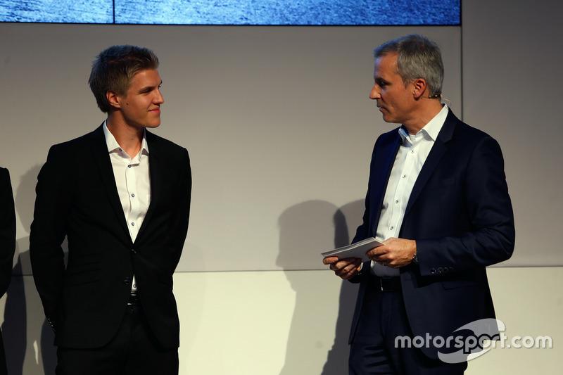 Jesse Krohn and Jens Marquardt, BMW Motorsport Director.