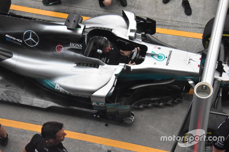 Mercedes AMG F1 W08 barge board