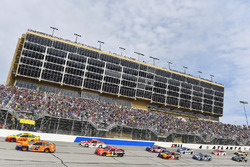 Brad Keselowski, Team Penske, Ford; Joey Logano, Team Penske, Ford