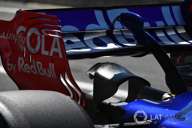 تفاصيل الجناح الخلفي لسيارة كارلوس ساينز الإبن، تورو روسو
