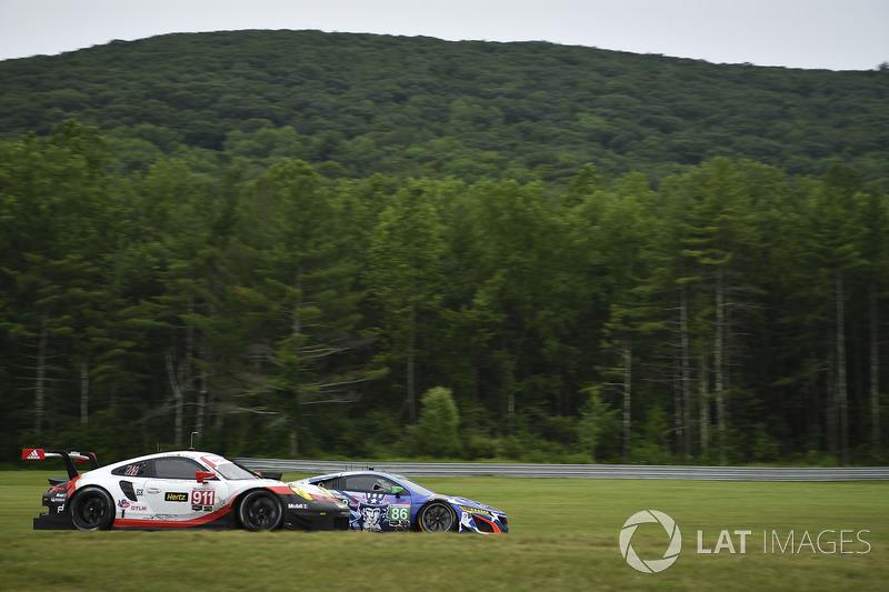 #911 Porsche Team North America Porsche 911 RSR: Patrick Pilet, Dirk Werner, #86 Michael Shank Racin