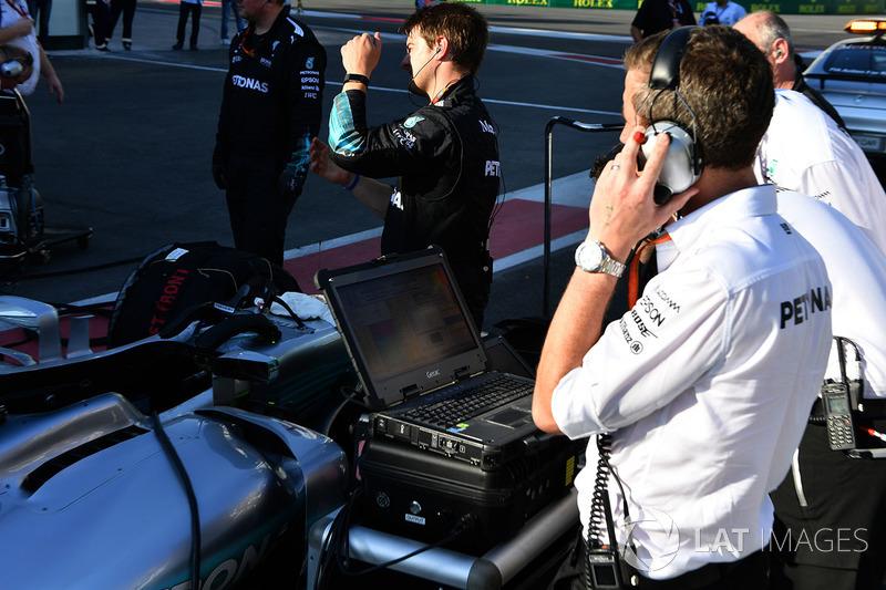 Mercedes AMG F1 ingenieros