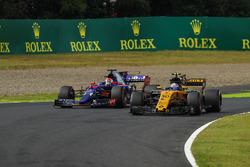 Jolyon Palmer, Renault Sport F1 Team RS17, Pierre Gasly, Scuderia Toro Rosso STR12