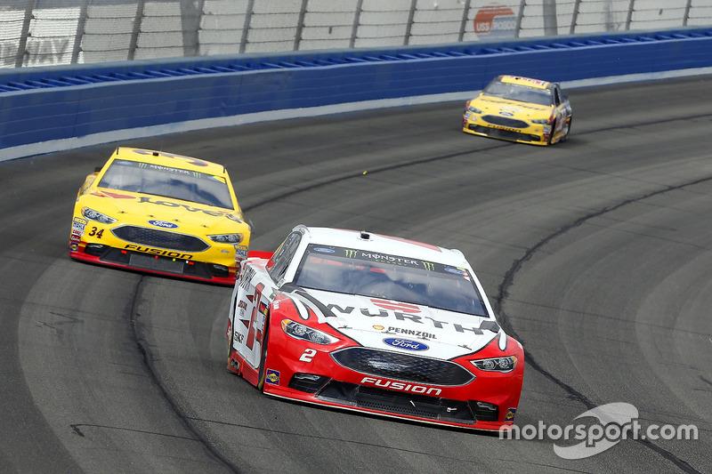 Brad Keselowski, Team Penske, Ford; Landon Cassill, Front Row Motorsports, Ford