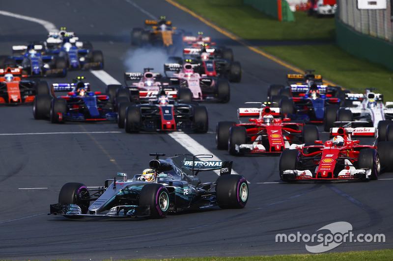 Lewis Hamilton, Mercedes AMG F1, W08; Sebastian Vettel, Ferrari, SF70H; Kimi Räikkönen, Ferrari, SF70H; Felipe Massa, Williams, FW40