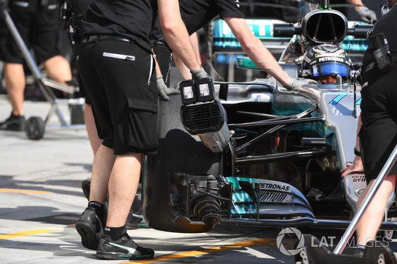 Valtteri Bottas, Mercedes-Benz F1 W08 y Mercedes AMG F1 con el refrigerador de freno