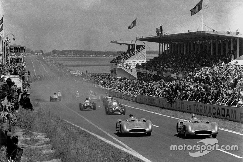 Karl Kling en Juan Manuel Fangio, Mercedes-Benz W 196 R