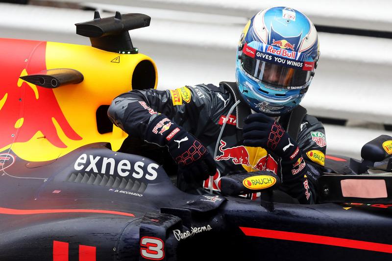 Daniel Ricciardo, Red Bull Racing im Parc Ferme